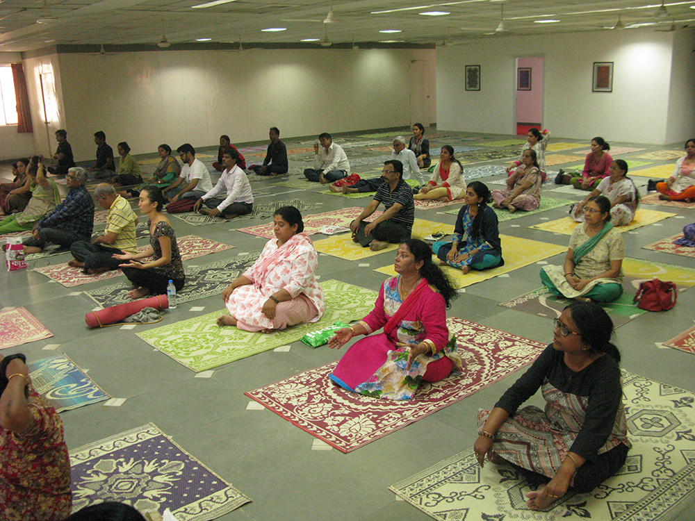 Devotees-Registrants-during-Ammas-Mumbai-Program-11.jpg